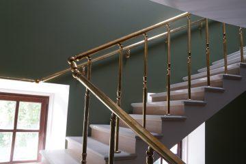 Виды лестниц и ограждений для дома