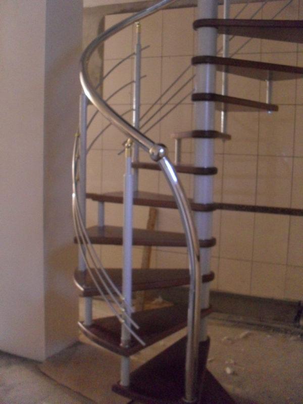 Винтовая лестница на заказ