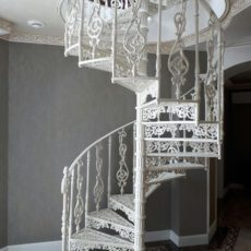 Винтовая лестница чугун литье